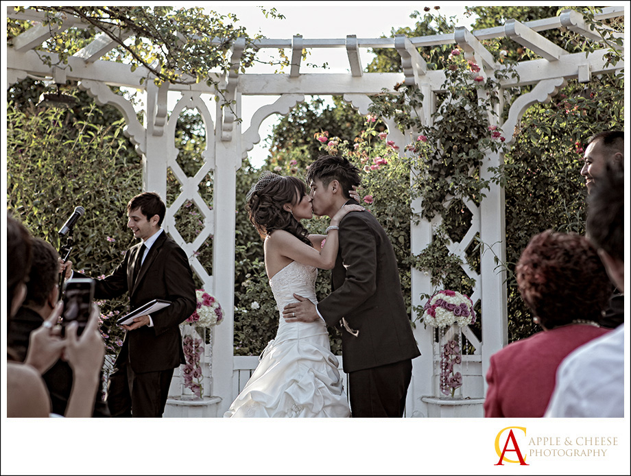 Arboretum Los Angeles Wedding Photo Diana David Wedding Photography by Apple and Cheese